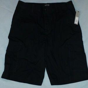 Men's black cargo shorts New w/tag size 32 APT. 9